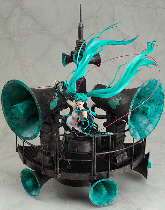 Miku Hatsune Love is War ver DX