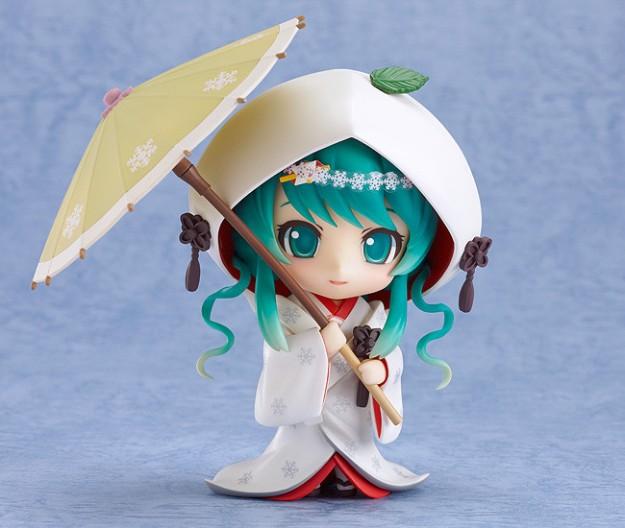 Nendoroid Snow Miku Strawberry White Kimono Ver.